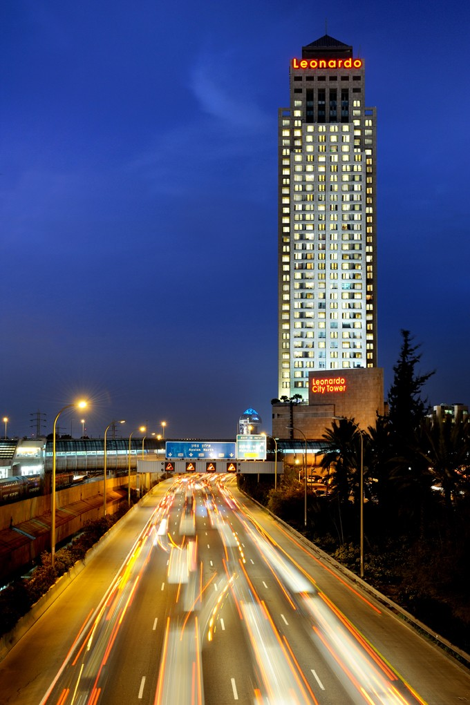 Leonardo City Tower-hotel-buildiing